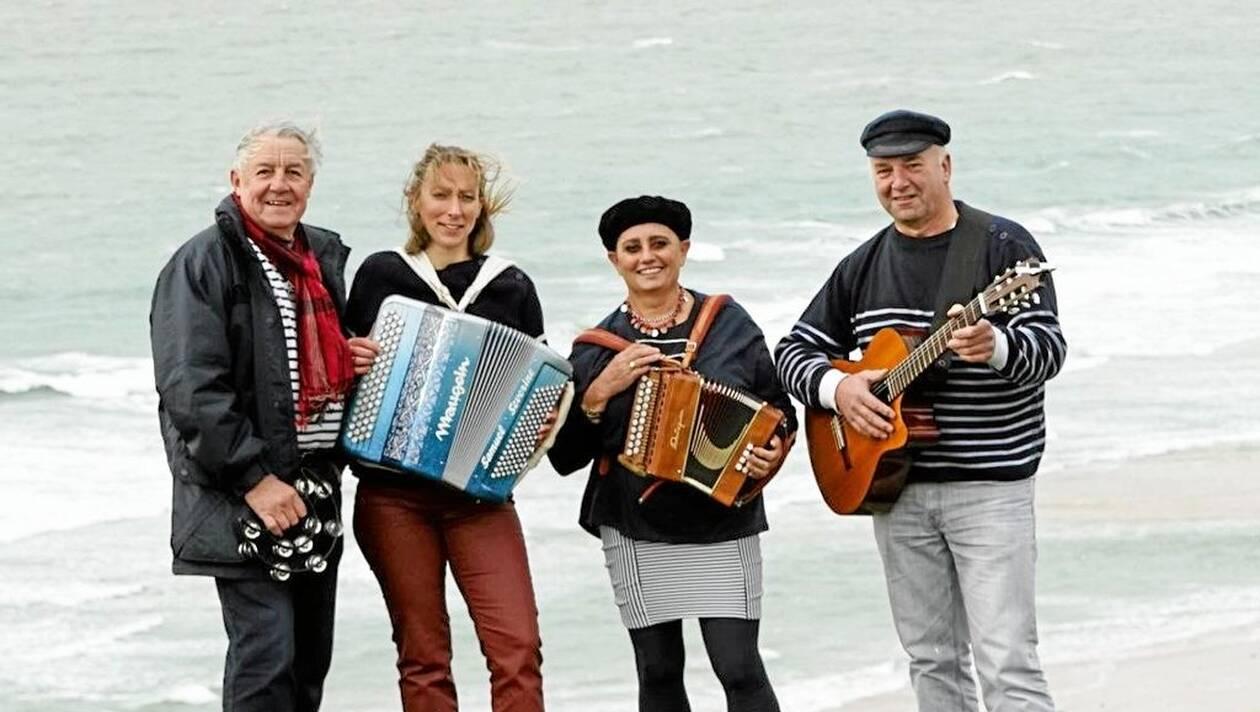 Concert sur le marché : Brigantine